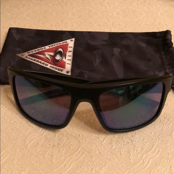 6927f588e97 Oakley Drop Point sunglasses. M 5a78fec96bf5a6e24d37f69f